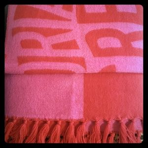 Vs scarf or throw